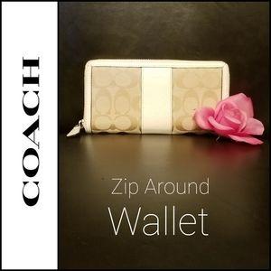 💯 Authentic Coach Signature Zip Around Wallet